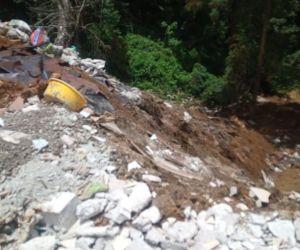 Denuncian contaminación en un arroyo de área protegida en Huauchinango